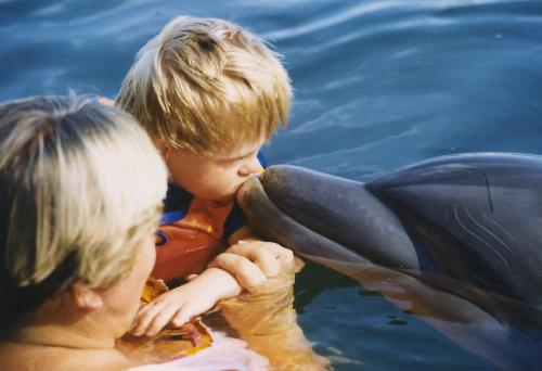 Tim auf Delfintherapie 2007